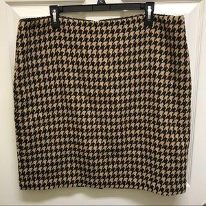 Women's Size 18 Talbots Wool Houndstooth Skirt